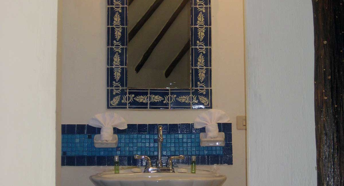 BATHROOM-ON-2nd-LEVEL-3